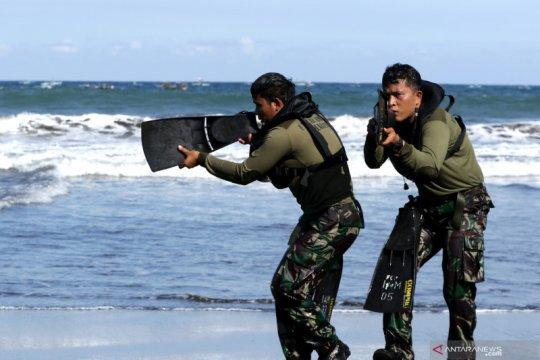 Latihan renang rintis Marinir Indonesia - Amerika