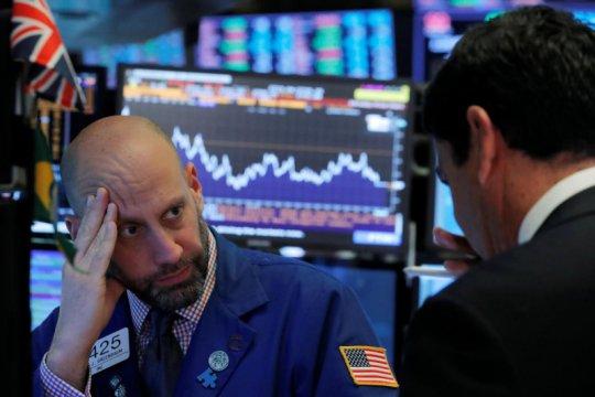 Wall Street ditutup bervariasi, Indeks Dow Jones merosot 210,22 poin