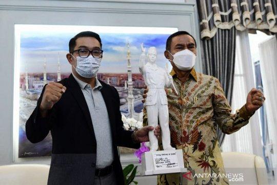 Ridwan Kamil dukung Pemkab Ende bangun patung Bung Karno