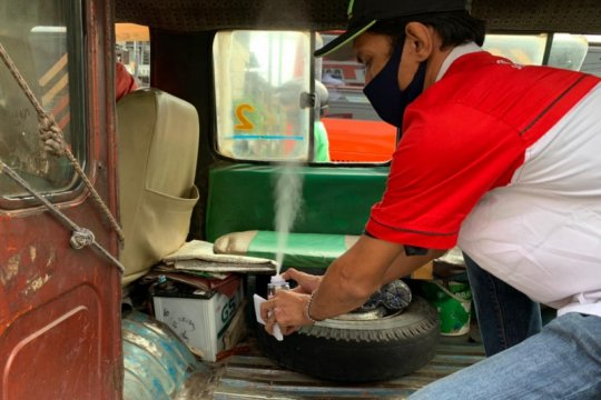 Komunitas Toyota Sienta bantu disinfektan angkutan umum