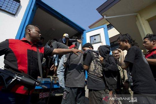 10 preman pemeras sopir truk pasar Tanah Abang diamankan