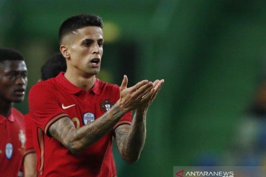 Positif COVID-19, Joao Cancelo dicoret dari skuad Portugal untuk Euro