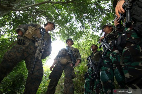 Latihan patroli hutan marinir Indonesia - Amerika