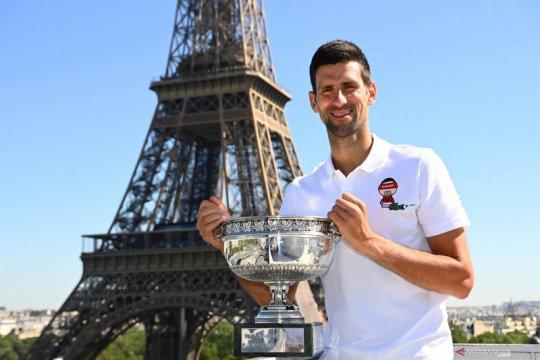 Djokovic akan main di nomor ganda dalam turnamen pemanasan Wimbledon