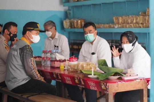 Wali Kota Madiun jamu Mensos santap siang di Pecel Bu Wo