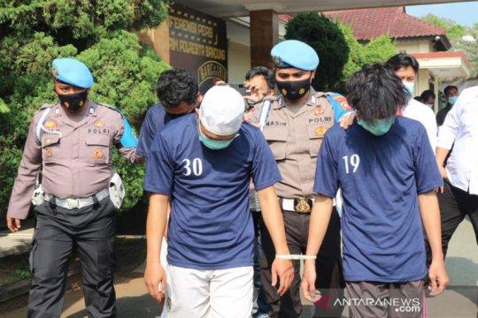 Polresta Bandung tangkap tiga pemalsu dokumen SIM hingga BPKB