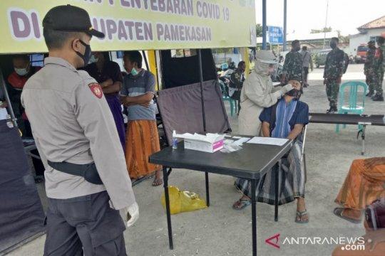 Pemkab pulangkan warga Bangkalan positif COVID-19 di Pamekasan