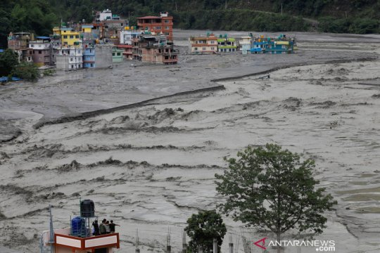Pekerja China, India termasuk korban tewas dalam banjir Nepal