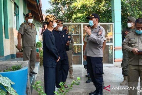 Satgas bubarkan acara kenaikan kelas di Palabuhanratu Sukabumi