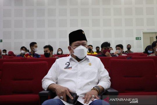 Seiring lonjakan kasus COVID-19, Ketua DPD minta Munas Kadin ditunda