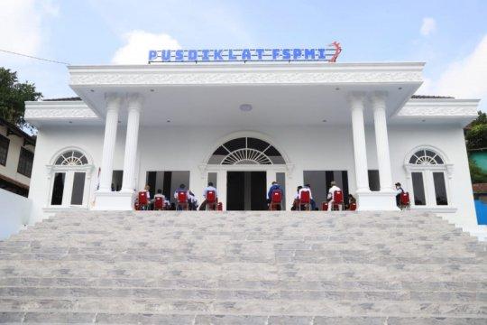 Menaker Ida resmikan Pusdiklat FSPMI
