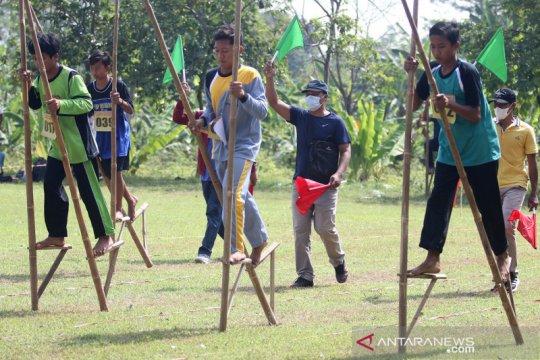Kompetisi olahraga tradisional Egrang