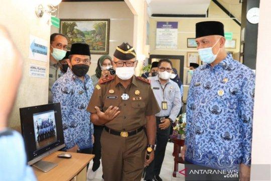 Gubernur Sumbar meresmikan layanan konsultasi hukum gratis di DPMPTSP