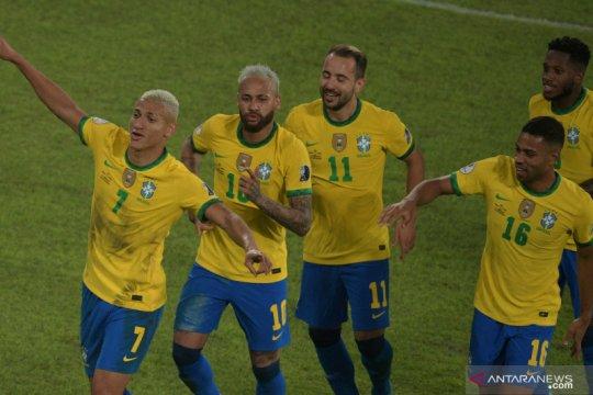 Menang empat gol tanpa balas, Brazil masih terlalu perkasa untuk Peru