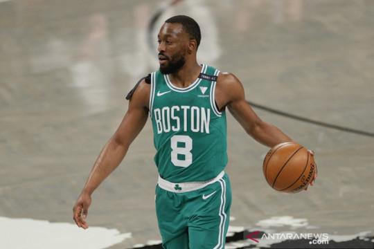 Celtics dilaporkan sepakat barterkan Kemba Walker ke Thunder