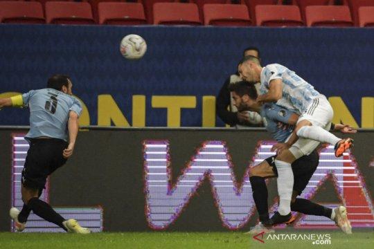 Argentina puncaki Grup A usai taklukkan Uruguay 1-0