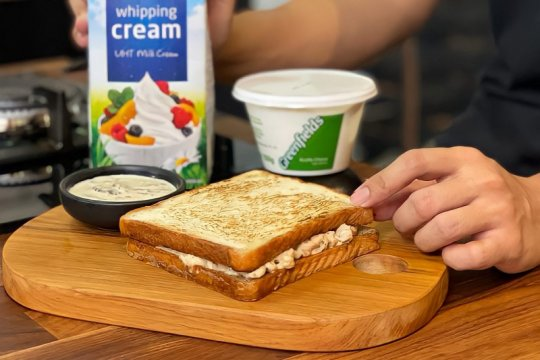 Resep sandwich ayam mayo dengan saus jamur ala Dimsthemeatguy