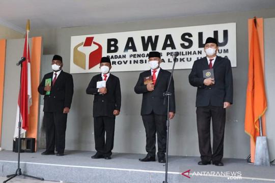 Empat pejabat Administrator Bawaslu Malut dilantik