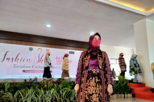 Ketua Dekranasda ajak masyarakat Tarakan kenakan  batik lokal