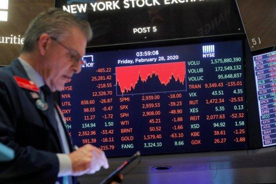 Wall Street bervariasi, Tesla angkat Nasdaq ditutup di rekor tertinggi