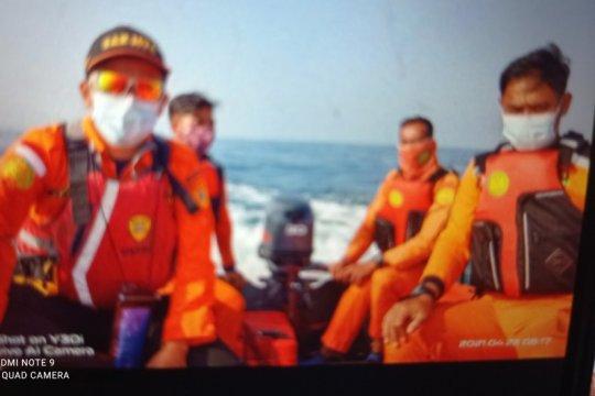 Basarnas Banten menemukan jasad seorang santri di Pantai Karangseke