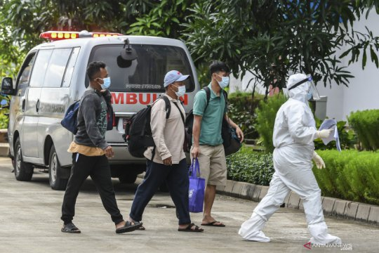 Positif COVID-19 Jakarta bertambah 8.348 dengan 128 kasus varian baru