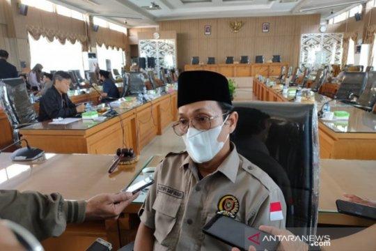 Untuk vaksinasi mahasiswa Kalsel di luar daerah, DPRD siap patungan