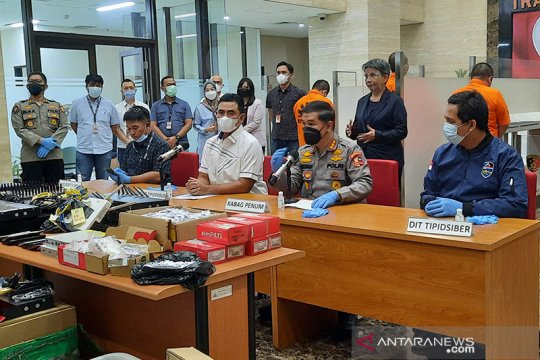 Persoalan pinjol, Anggota DPR sebut Bareskrim-OJK perlu koordinasi