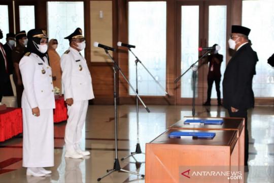 Gubernur lantik Safitri Malik jadi Bupati perempuan pertama di Maluku
