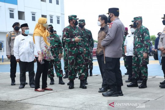 Panglima TNI tinjau isolasi terpusat OTG di Cilincing