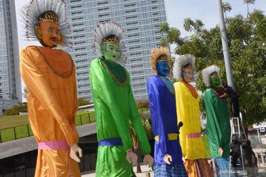 Meriahkan HUT DKI Jakarta, 10 Ondel-Ondel raksasa mejeng di depan TIM