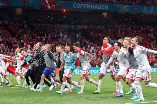 Klasemen akhir Grup B, Denmark ke 16 Besar