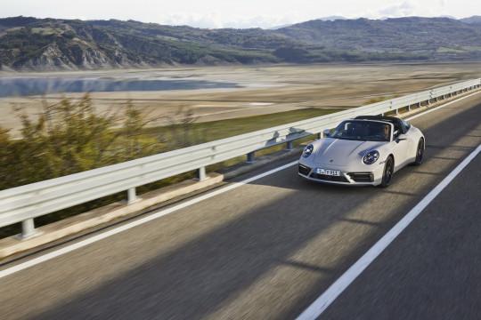 Porsche 911 series 2022 hadir dalam tiga varian