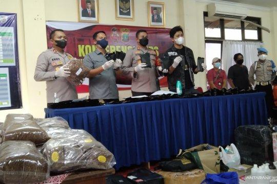 Polisi tangkap produsen tembakau sintetis di Tangerang