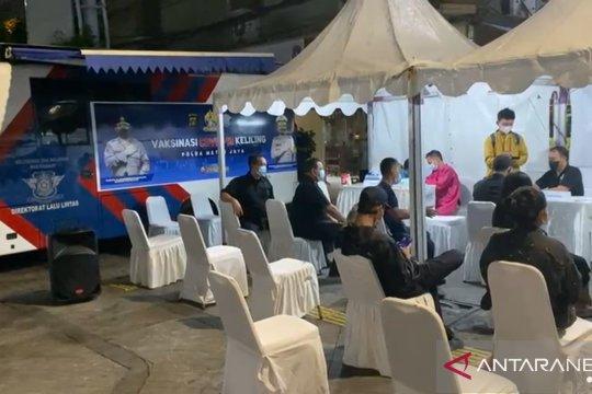 Dirlantas Polda Metro serukan warga ikut vaksinasi di Jalan Sabang