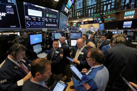 Wall Street dibuka nyaris datar menjelang kesaksian Ketua Fed