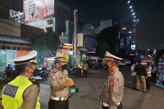 Polda Metro sasar pedagang ikut vaksinasi keliling di Jalan Sabang