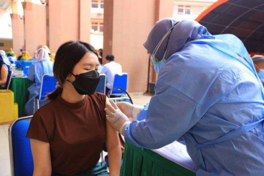 Tangerang buka layanan vaksinasi usia 18+ sasar 17.000 orang sehari