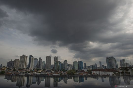 Jakarta diperkirakan hujan pada Jumat siang dan malam hari