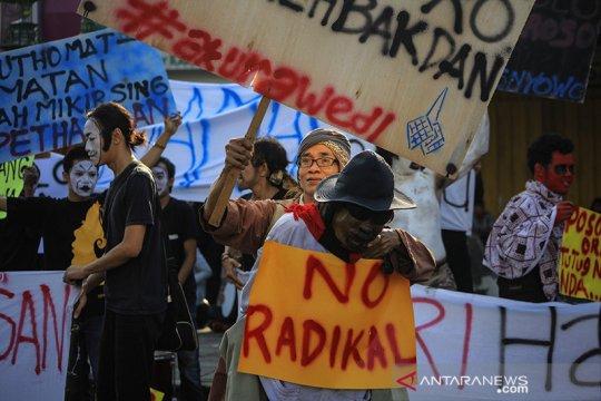 11 terduga teroris di Merauke diterbangkan ke Jakarta