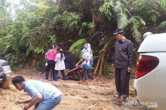 Anggota DPRD: 80 persen jalan di Bengkulu Utara rusak