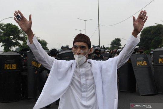 Polisi blokade pendukung Rizieq Shihab