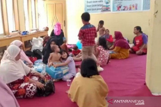 Puluhan warga Girimukti terpapar COVID-19 dari klaster pengungsi