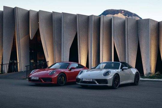 Porsche 911 GTS baru lebih powerful