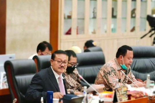 Anggota DPR ingatkan warga tak berdebat dengan yang remehkan COVID-19