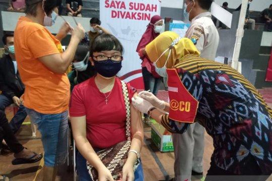 Pemkab-Polres Lumajang vaksinasi COVID-19 dua ribu warga dalam sehari