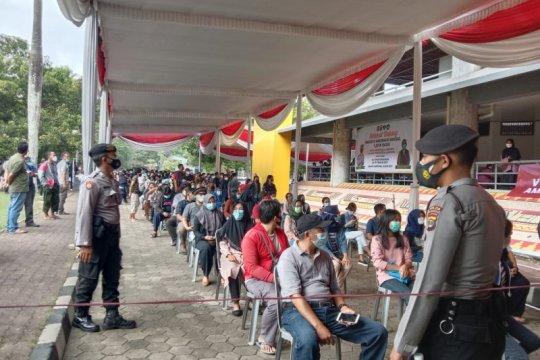 HUT Bhayangkara, Polda Lampung gelar vaksinasi massal di 345 lokasi