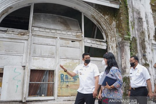 Pemkot Medan kembalikan fungsi trotoar di Kesawan