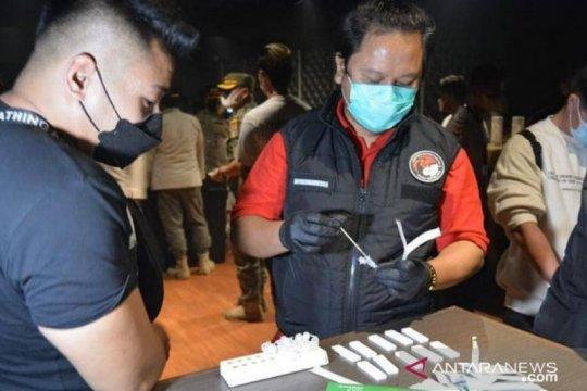 Polisi periksa empat pengunjung positif narkoba di Tipsy Monkey Bar