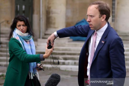"""Inggris selidiki bocornya gambar CCTV """"ciuman menteri"""""""